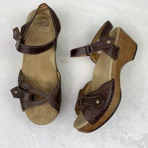 Dansko Sara Waxy Leather Comfort Sandals Sz 37